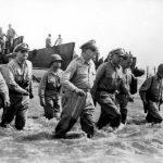 Douglas_MacArthur_lands_Leyte1