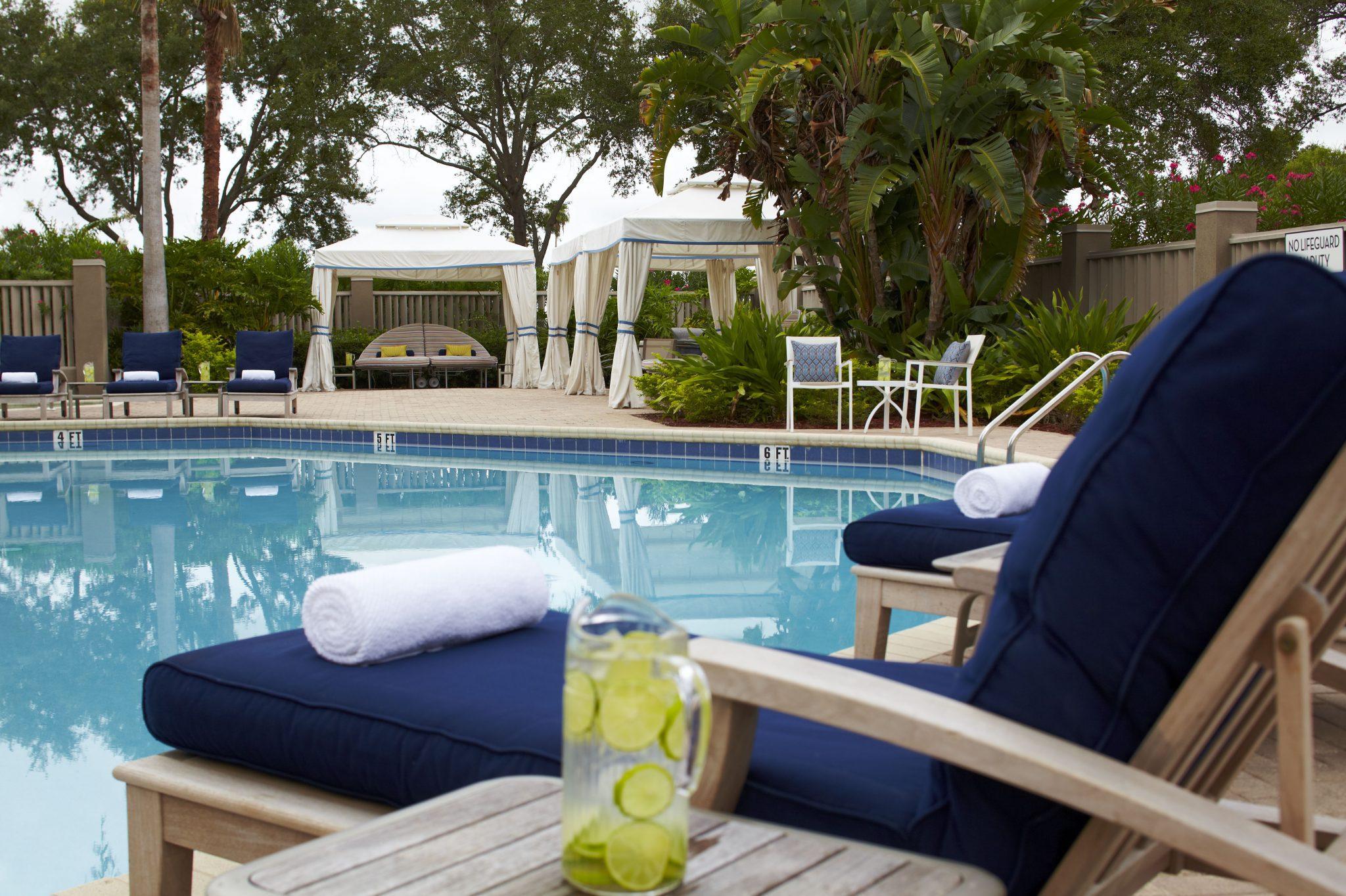 renaissance orlando airport hotel. Black Bedroom Furniture Sets. Home Design Ideas