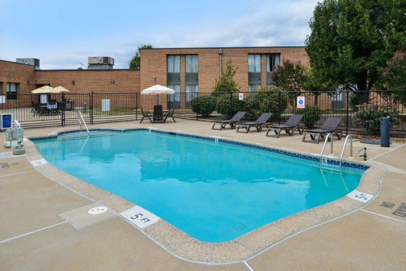 Best western leesburg hotel and conference center washington dc best western pool freerunsca Choice Image